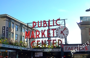 _DSC8194pike place sign